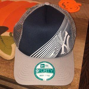 Men's Navy and Gray NY Yankees Baseball Hat